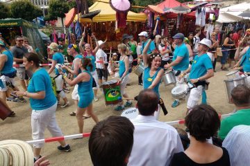 Outra Vez tijdens de Umzug van het Internationales Samba-Festival Coburg in 2016